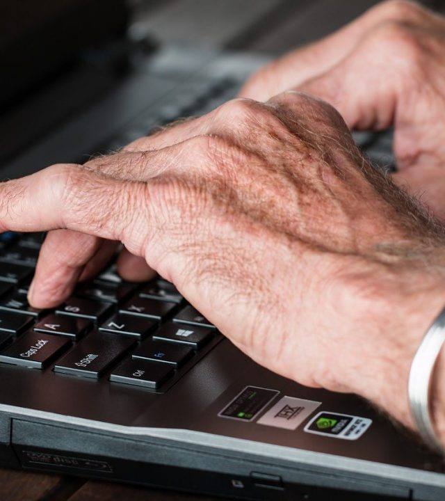 hands, old, typing